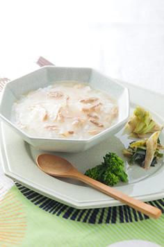 朝日豚と県産野菜のチゲ鍋風